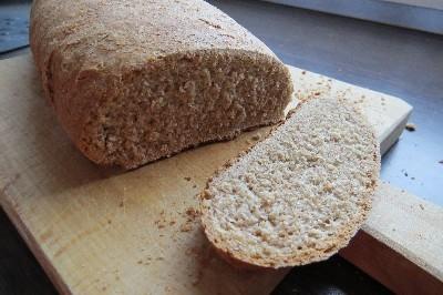 Barna kenyér teljes kiőrlésű lisztből