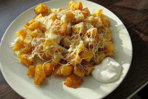 krumpli tálalva